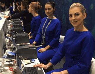 Trade-Show-Corporate-Hostesses-1-2